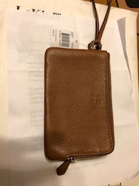 New Coach wallet with tag on  Zipper closure Newark, 19713