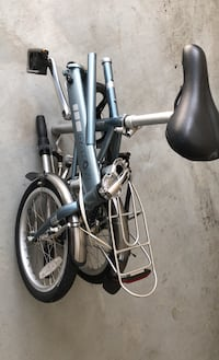 Dahon folding bike / foldable bicycle/ super lightweight and compact / very good condition Great Falls, 22066