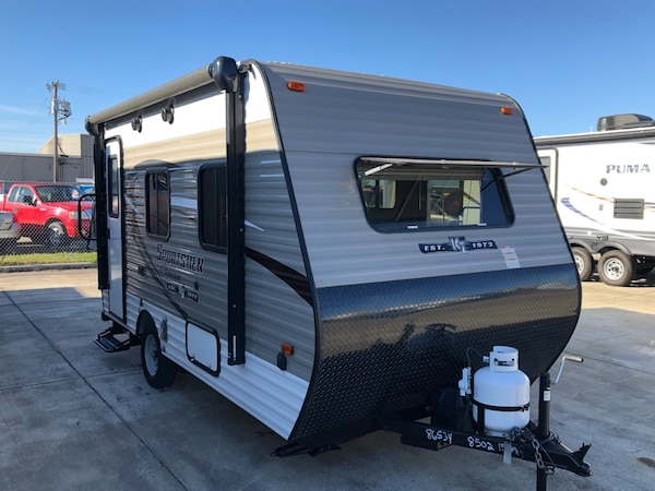 2,300 lbs  ultra light weight RV Camper