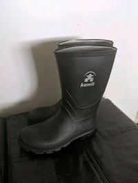 Rubber boots size 3