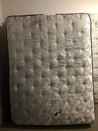 Queen size mattress with bed frame Omaha, 68137