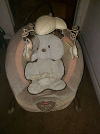 baby's brown and white Fisher-Price bouncer Morrison, 80465