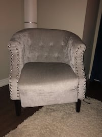 Chair. Height 32. Mississauga, L5M
