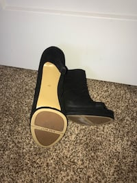 New Nine West booties size 9.5 Edmonton, T6V 0G1