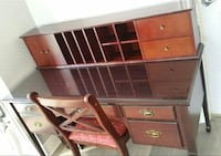 Beautiful rich wooden desk with hutch and chair Toronto, M6K 0B3