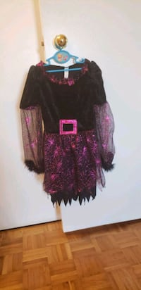 Halloween costume     kids size:5/6years old Toronto, M1R 2H2
