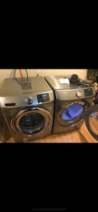 Gray front-load clothes washer and dryer set screenshot North Las Vegas, 89031