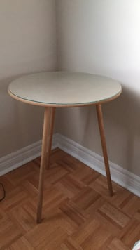 round white wooden pedestal table Vaughan, L6A 2Y9