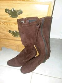 Brown Suade Boots Port St. Lucie, 34984