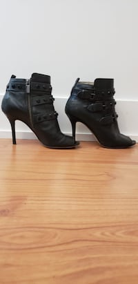 Michael Kors Black Leather Booties, Size 7 Toronto, M5V 3W6