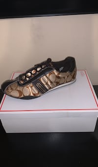 Authentic Coach shoes woman's size 7 like new condition ! Harlingen