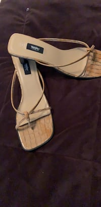 Tan croc sandals  Downingtown, 19335