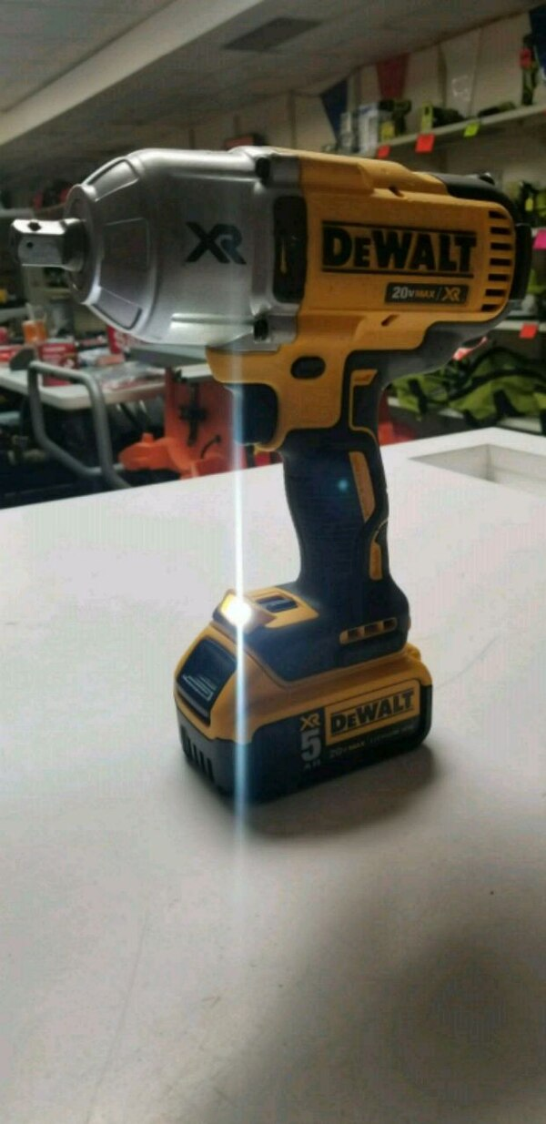 Used Dewalt Xr Impact Wrench With 5amp Battery Charger For In Marietta Letgo