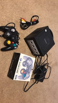 Gamecube + cords + 2 controllers Fairfax Station, 22039
