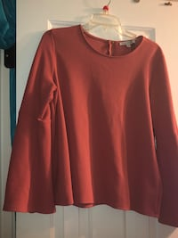 red scoop neck long sleeve shirt Gainesville, 30507