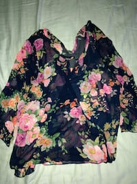 black and pink floral long-sleeved shirt Gainesville, 30507