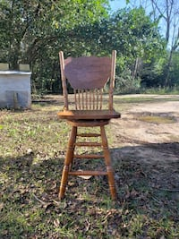 Nice wooden chairs Oglethorpe, 31068