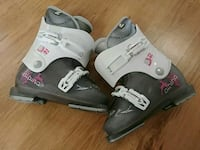 CHILDRENS SKI BOOTS Barrie