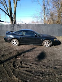 2004 Ford Mustang 3.8 Premium Indianapolis