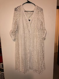 Off white midis dress w/lace overlay. Size 18-20 Apple Valley, 55124