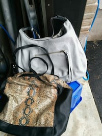 2 purses $5 for both Hamilton, L8J 2V5