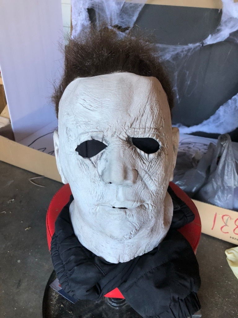 New 2018 HALLOWEEN MICHAEL MYERS MASK OR DECORATION