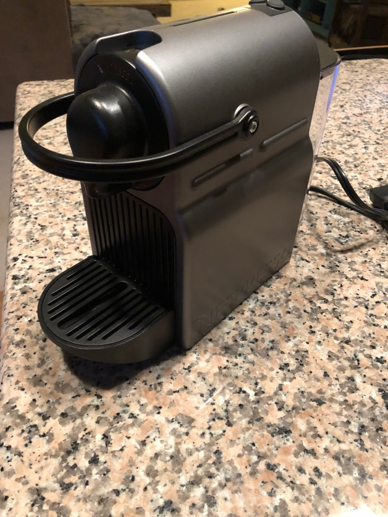 Photo Nespresso Coffee Maker with Electric Frother