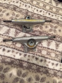 Independent trucks (used) solid Sycamore, 60178