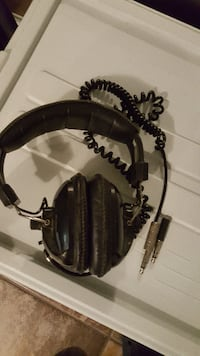 LM LINCONWOOD HP-500X HEADPHONES FOR SALE! Caledon