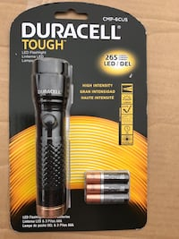 Duracell flashlight with three batteries Union City, 94587