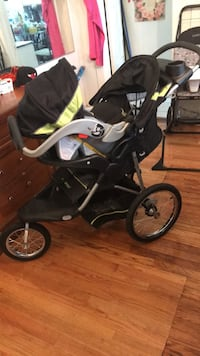 Baby's black and green jogging stroller lightly used  Baltimore, 21213