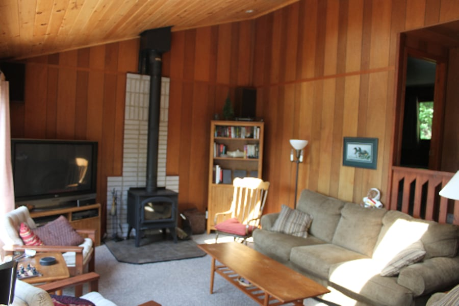 Beautiful 3-bedroom Lake-side Cottage for rent 906379b2-60c2-4903-9ac6-933957881b68