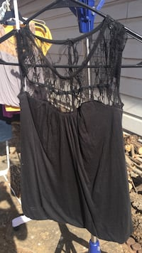 Size small black sleeveless top Abilene, 79601