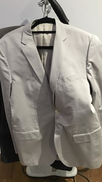 Mint full boss suit 52 Toronto, M5M 2C4
