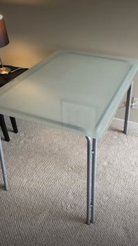 Nice glass desk with 3 chairs ( 110 by 75 cm ) Delta, V4E 3J2