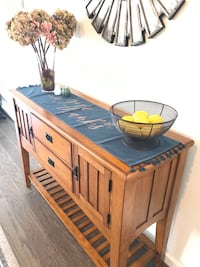 7 pieces counter high dining room table with a side server. Ashburn, 20147