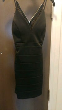 La chateau dresses worn once size s brand new  Vaughan, L6A 4N9