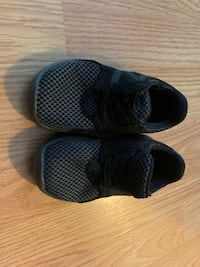 Toddler New Balance Sneakers size 5 Germantown