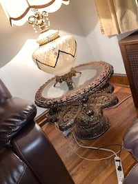 2 round end tables , lamps included  Washington, 20018