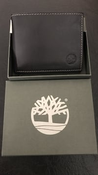 black and white leather wallet Burbank, 91501