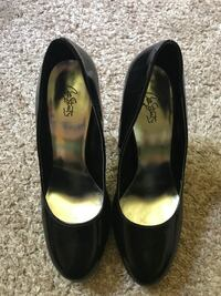 Shoes size 9 like new Granger, 46530