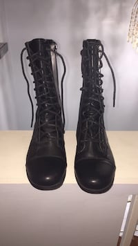pair of black leather combat boots Sterling Heights, 48312