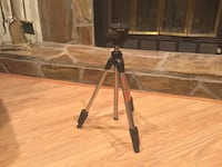 SLIK Model U5000 Tripod for Video & Photo. Condition is New.  For Videos & Still Cameras Over sized, single action speed release leg locks Portable & Lightweight    U5000 Tripod is compact & light weight ideal for mobility and video & photo. Tripod sizing Peachtree City, 30269