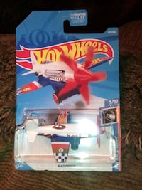 Hot wheels mad props airplane