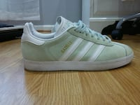 Barely worn Adidas Gazelles Woodbridge, 22191