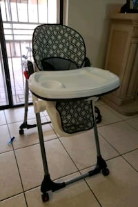 Baby Seat in great condition Hialeah Gardens