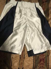 Basketball shorts size small for men Bristow, 20136
