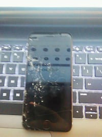 IPhone 6 cracked but cuts on Arlington, 22202
