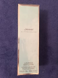 Alfred Sung Jewel body lotion -new Montréal, H3A
