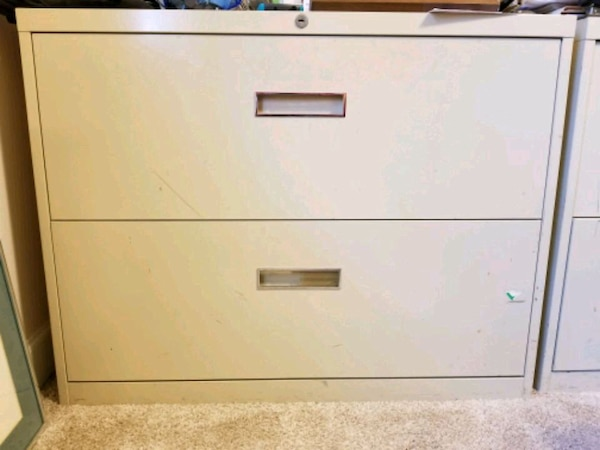 2 Drawer Legal File Cabinet Usagé à Vendre à Tucker Letgo